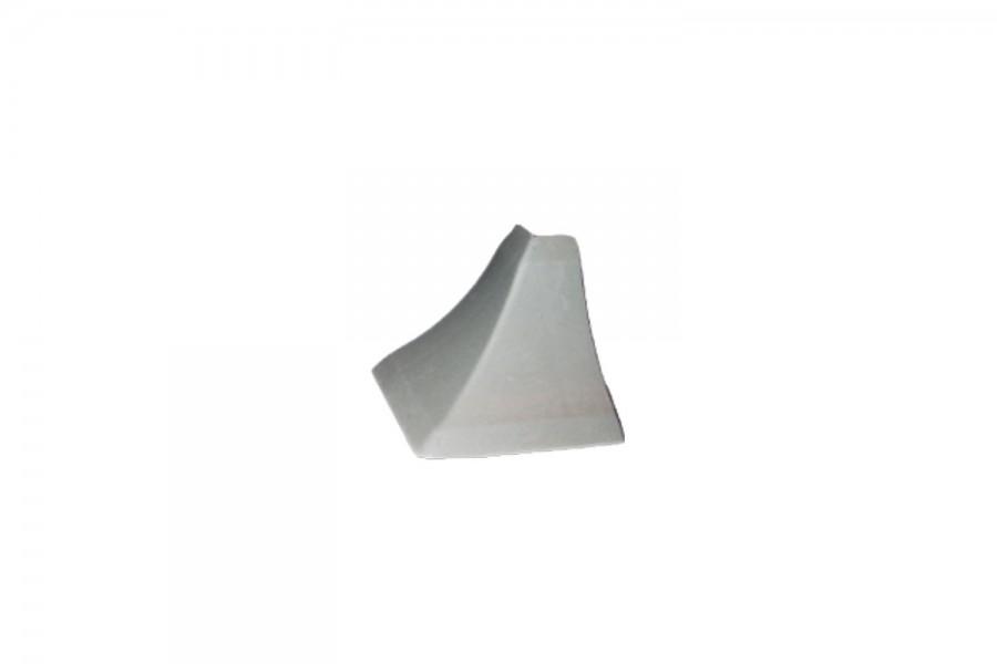 Наружный угол плинтуса кухонного серый